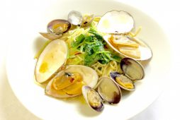 函館産 白貝とアサリのパスタ