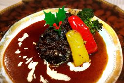 牛ホホ肉の赤ワイン煮