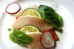 鶏のタタキサラダ