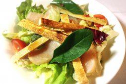鶏タタキと高野豆腐のサラダ