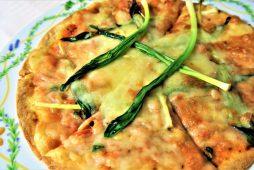 桜海老とキトビロのピザ