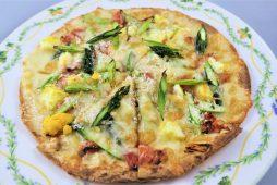 アスパラエッグピザ