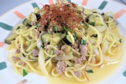 知内産ニラと挽肉のペペロンチーノ