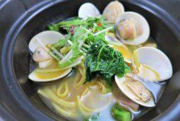 蛤と菜の花のエビ風味土鍋パスタ