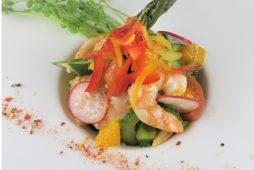 夏野菜とエビのガーリックオイルサラダ
