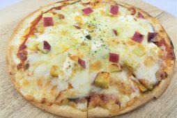 カボチャとサツマイモのピザ メープル風味