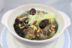 女性にやさしい 台湾式スープ鍋